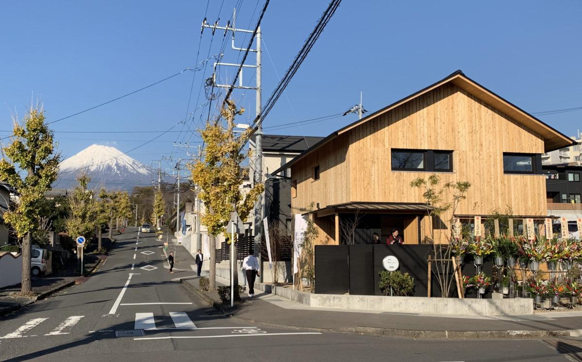 コラボレーションから生まれた「高性能マイスターデザイン」住宅